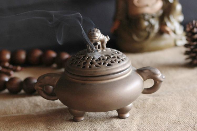 古风香炉烟雾图手绘